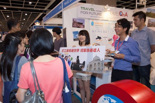 國際旅遊展2013,主力宣傳「打工換宿」計劃,有不少朋友到場支持呢,更幫我「企booth」,感動