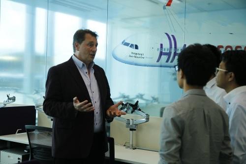 訪問的第一炮,跟HK Express的CEO Andrew Cowen做訪問,談談廉航所帶來的改變